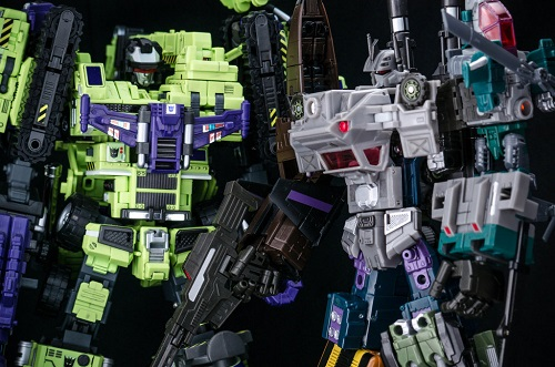 Giant_and_Bruticus